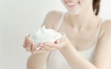洗顔の泡イメージ