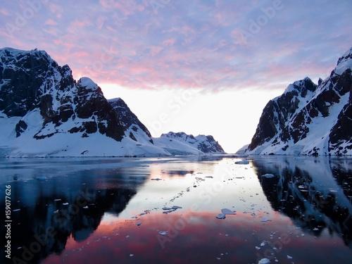 Ingelijste posters Antarctica Sonnenuntergang in der Antarktis