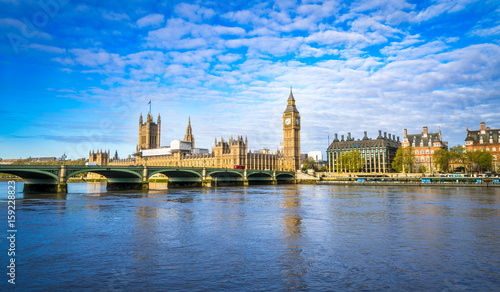 Fototapeta Big Ben and Westminster parliament in London, United Kingdom at sunny day