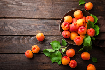 Fototapeta na wymiar Apricots