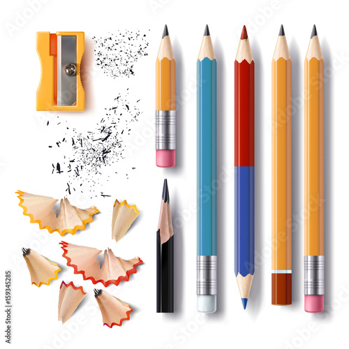 Photo Set of vector illustrations in realistic style sharpened pencils of various leng