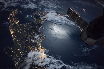 Fototapeta samoprzylepna Italy night view from space,