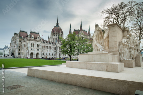 Budapest, Hungary - The sculpture by Luigi Kossuth Tableau sur Toile