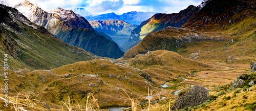 doliny-i-malownicze-gory-w-nowej-zelandii