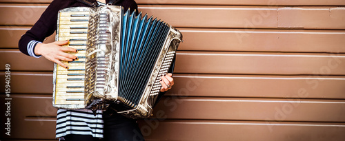 Fotografía  accordion player woman