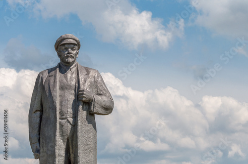 Deurstickers Afrika Kremenivka, Ukraine - May 21, 2017: The monument to Vladimir Lenin, the Soviet leader. Stone statue with a view to the sky. Back view.