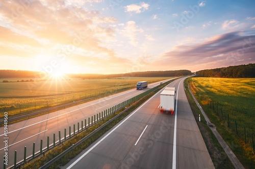 Plakat Wschód słońca na autostradzie