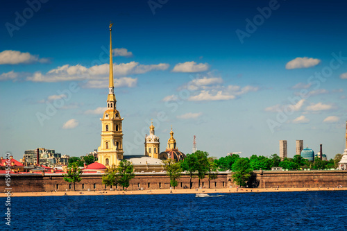 Fotografía  Old Peter and Paul fortress in Saint Petersburg, Russia.