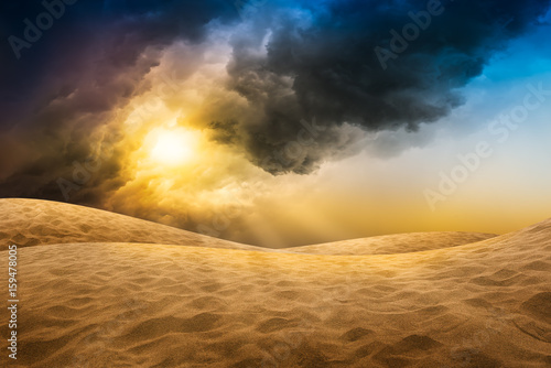 Tuinposter Zandwoestijn Desert sand with storm cloud