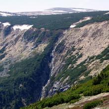 Górski Potok Na Stoku Karkonoszy Z Topniejącego Lodu - Wyprawa W Sudety