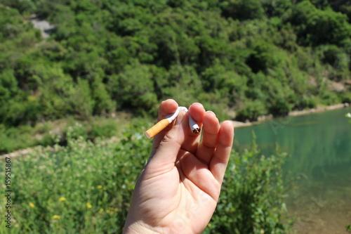 Spoed Foto op Canvas Olijfboom être libre ou dépendant : campagne anti tabac