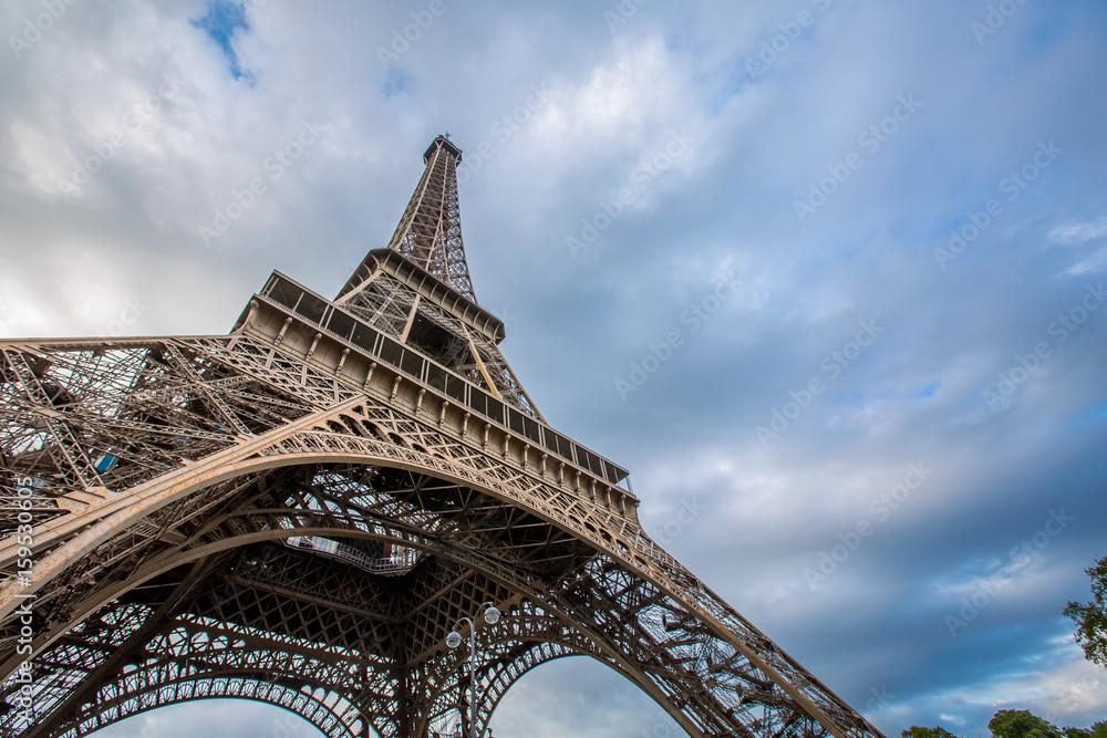 Fototapeta Amazing architecture Eiffel tower building - obraz na płótnie