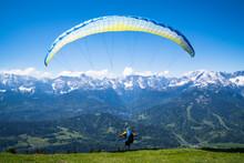 Paraglider Beim Start