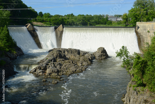 Photo  Essex Junction Dam on Winooski River in Essex Junction village, Vermont, USA