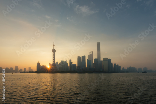 Shanghai skyline cityscape, View of shanghai at Lujiazui finance and business di Wallpaper Mural
