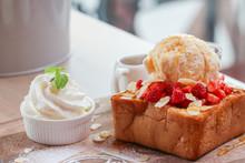 Strawberry Honey Toast Breads