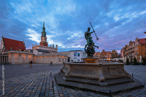 Fontanna Neptuna na Starym Rynku w Poznaniu