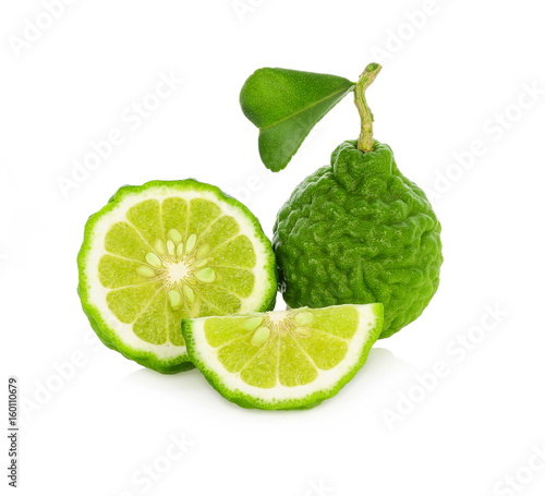 Photo Fresh bergamot fruit with leaf isolated on white background