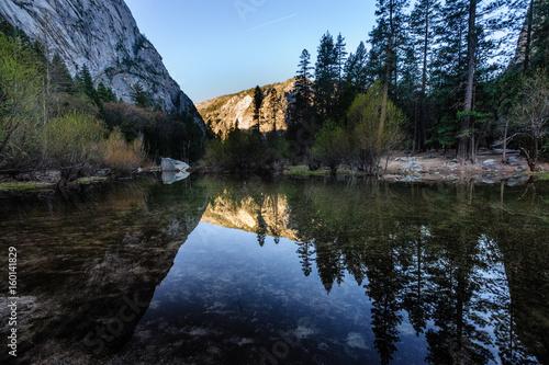 Spoed Foto op Canvas Nieuw Zeeland Early morning at Mirror Lake, Yosemite National Park