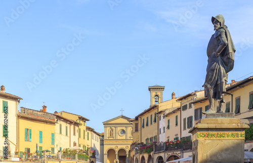 Fotografiet Piazza Giacomo Matteotti in Greve in Chianti, Tuscany, Italy