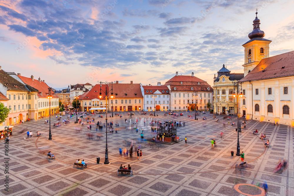 Fototapety, obrazy: Sibiu, Romania. Large Square (Piata Mare) with the City Hall and Brukenthal palace in Transylvania.