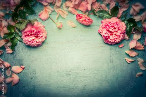Foto-Lamellen (Lamellen ohne Schiene) - Pink roses background on retro toned shabby chic wood, top view, retro toned, floral border (von VICUSCHKA)