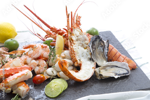 Aluminium Prints Seafoods Fresh cooked seafood on a platter
