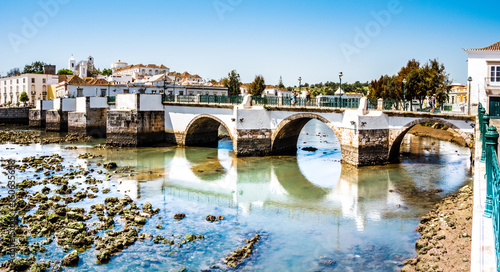 Photo historische Brücke in Tavira, Algarve, Portugal, Europa