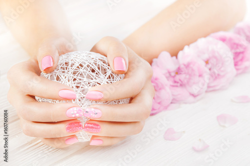 Recess Fitting Manicure pink manicure with fresh tea rose, white ball of yarn