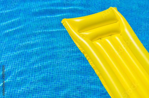 Sommer Sonne Auszeit Swimming Pool Wasser mit Luftmatratze Tapéta, Fotótapéta