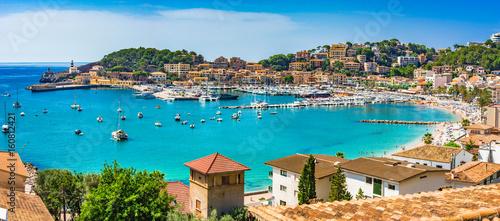 Tuinposter Mediterraans Europa Spanien Mittelmeer Küste Bucht von Port de Soller Mallorca