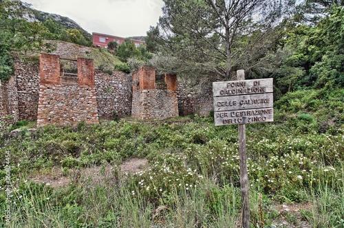 Fotografie, Obraz  Forni di calcinazione delle calamine. Iglesias, Sardegna