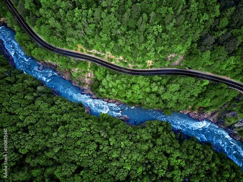 Cadres-photo bureau Rivière de la forêt Mountain river and road aerial view