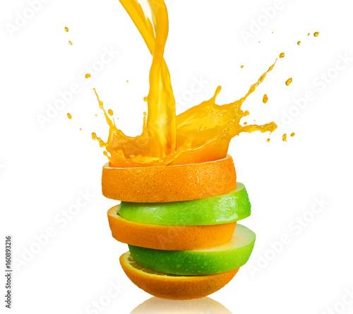 plastry-jablka-i-pomaranczy-ochlapane-sokiem