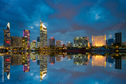 Foto  Downtown Saigon at night - Riverside of Ho Chi Minh City - The biggest city in Vietnam