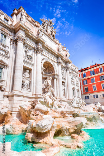 Fotografie, Tablou  Rome, Italy - Trevi Fountain and Palazzo Poli
