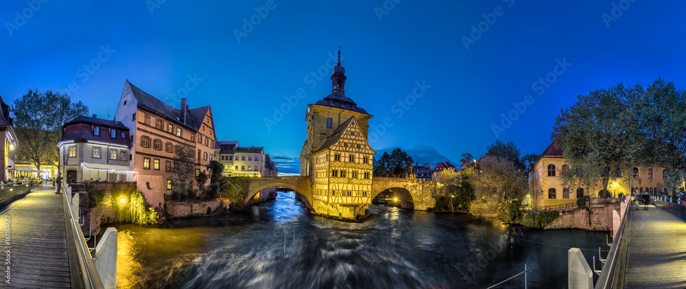 Fototapety, obrazy: Bamberg. Panoramic view of Old Town Hall of Bamberg (Altes Rathaus) with two bridges over the Regnitz river in the evening, Germany