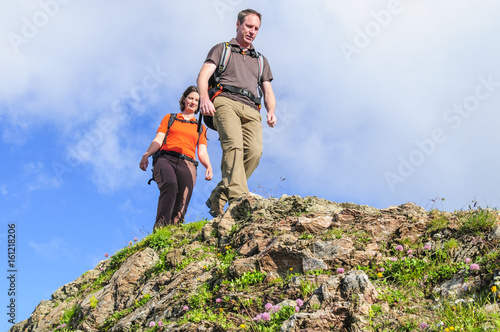 Photo entspannt unterwegs im felsigen Gelände