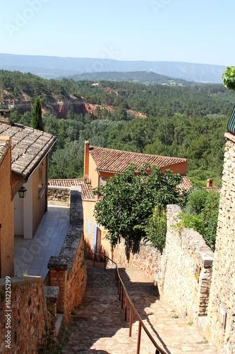 Foto op Plexiglas Bruin Le village de Roussillon dans le Vaucluse,Provence