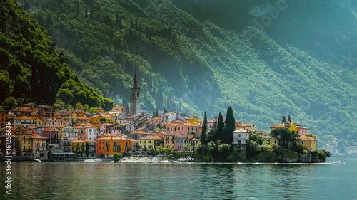 Slika na platnu Town of Varenna town at Lake como,Italy