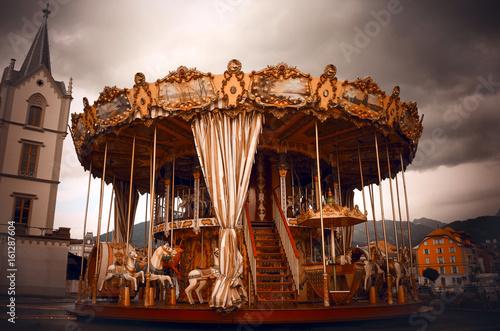 Fototapeta Dark Carousel