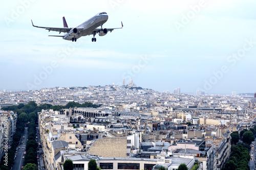 Fotomural Avión sobre París