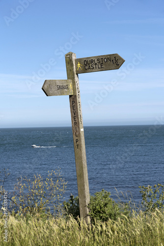Cadres-photo bureau Cote Signpost on the clifftop at Peveril Point near Swanage Dorset England UK