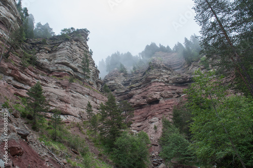 Permian red sandstones in Bletterbach canyon, Dolomites, Italy Canvas-taulu