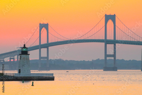 Photo  A sunset over the Newport Bridge in Newport, Rhode Island