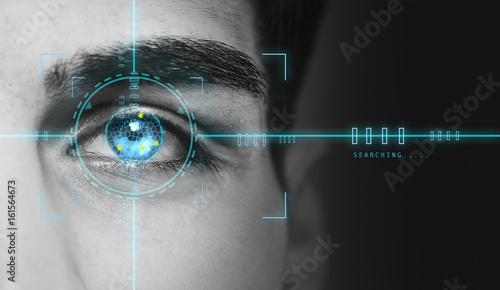 Fotografía  biometric hi tech security retina scan