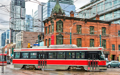 Photo  City tram in Toronto, Queen St West - Spadina Ave