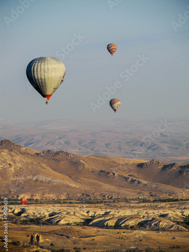 Cadres-photo bureau Marron Hot air balloons in Cappadocia, Turkey