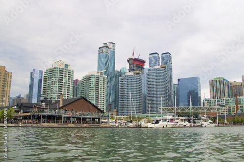 Zdjęcie XXL Pejzaż miejski wzdłuż schronienie nabrzeża okręgu w Toronto Ontario Kanada