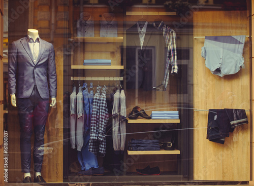Fotomural Shop window with men's clothing